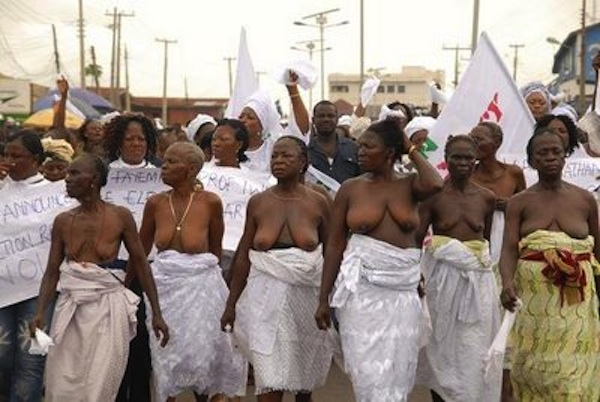 nigeria-naked-protest-1